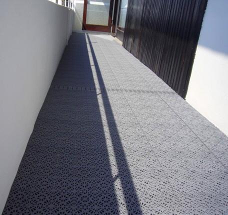 Balkonböden Aus Kunststoff : balkon boden balkon mit boden bel aus wetterfesten ~ Michelbontemps.com Haus und Dekorationen